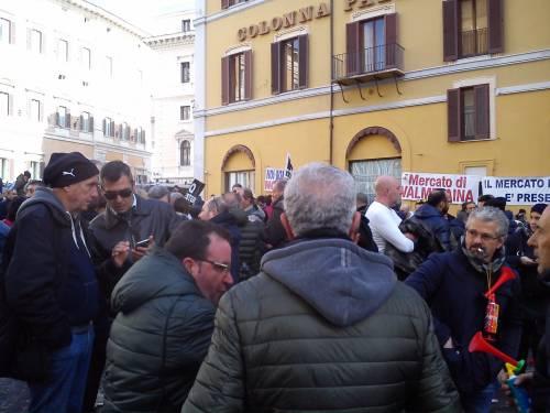 La manifestazione dei tassisti a Montecitorio 2