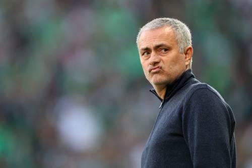 """Mourinho, carezza a Ranieri: """"Nessuno cancellerà ciò che hai fatto amico"""""""