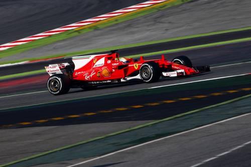 La Ferrari SF70H di Vettel vola: primo nei test di Montmelò