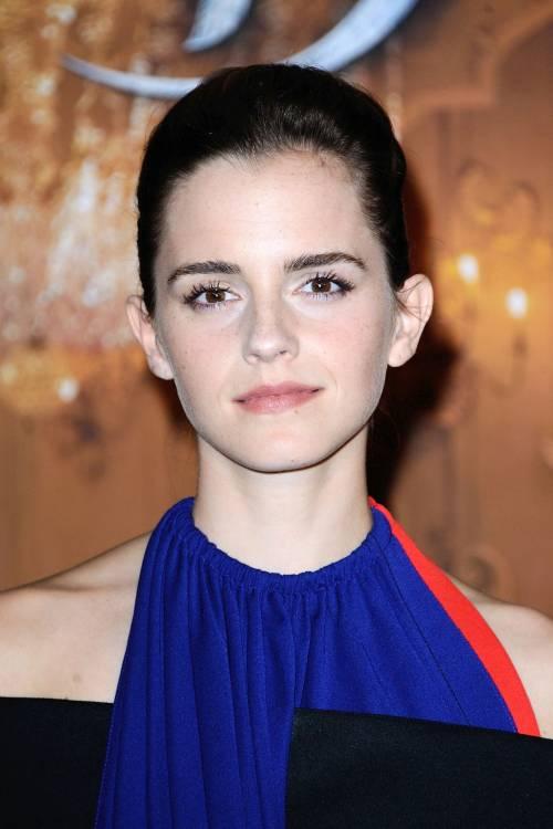 Emma Watson, sexy Bella sul red carpet 17
