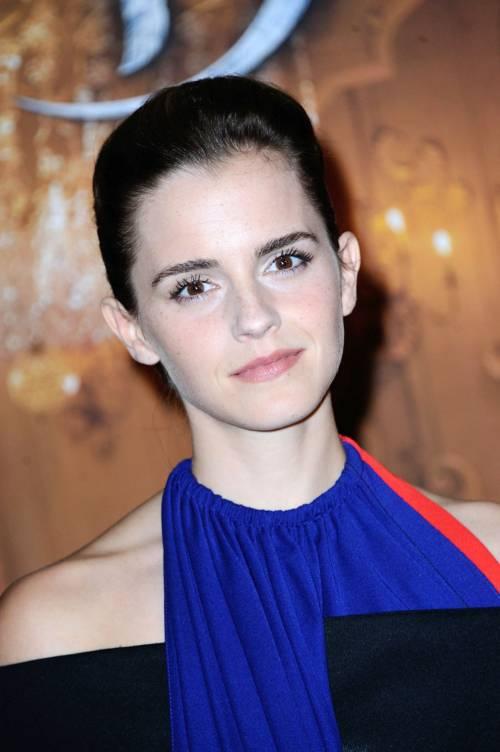 Emma Watson, sexy Bella sul red carpet 24