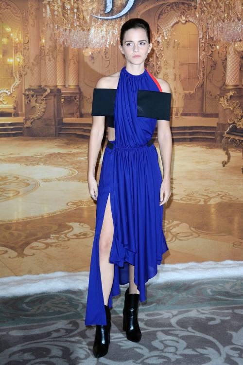 Emma Watson, sexy Bella sul red carpet 25