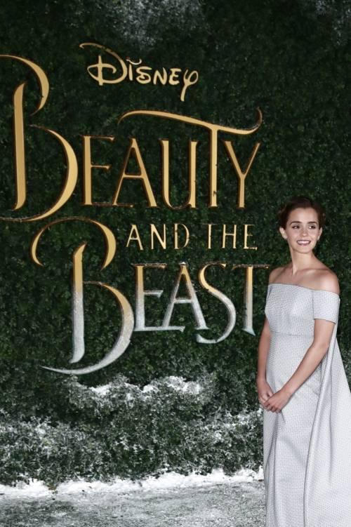 Emma Watson, sexy Bella sul red carpet 32
