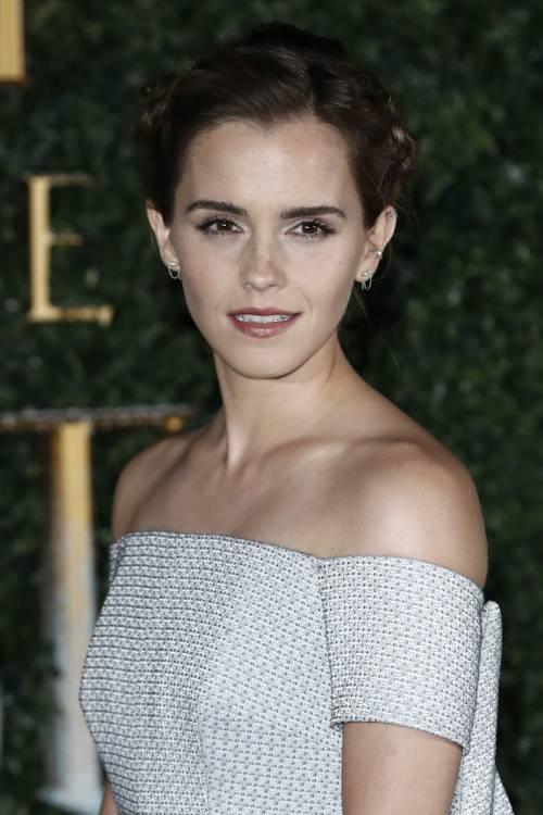Emma Watson, sexy Bella sul red carpet 33