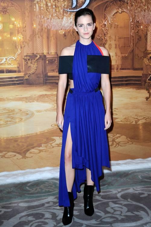 Emma Watson, sexy Bella sul red carpet 31