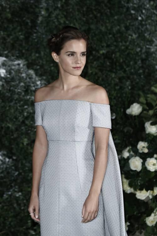 Emma Watson, sexy Bella sul red carpet 34