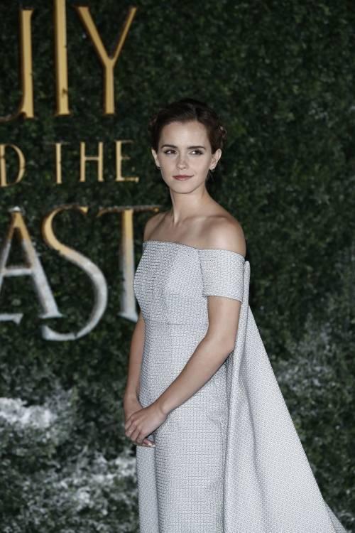 Emma Watson, sexy Bella sul red carpet 21