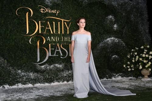 Emma Watson, sexy Bella sul red carpet 43