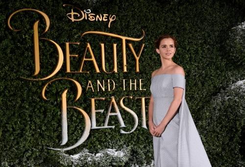 Emma Watson, sexy Bella sul red carpet 45