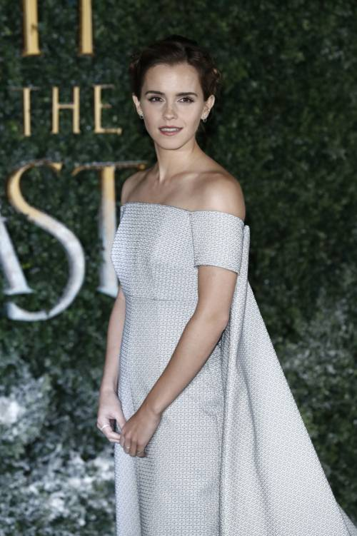 Emma Watson, sexy Bella sul red carpet 46
