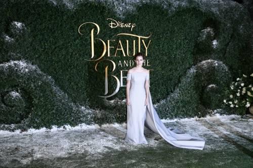Emma Watson, sexy Bella sul red carpet 49