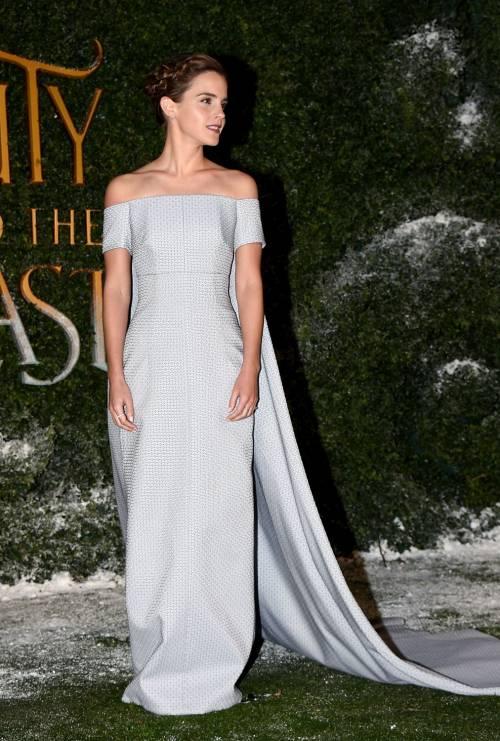 Emma Watson, sexy Bella sul red carpet 53