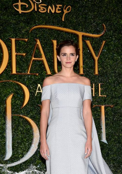 Emma Watson, sexy Bella sul red carpet 41