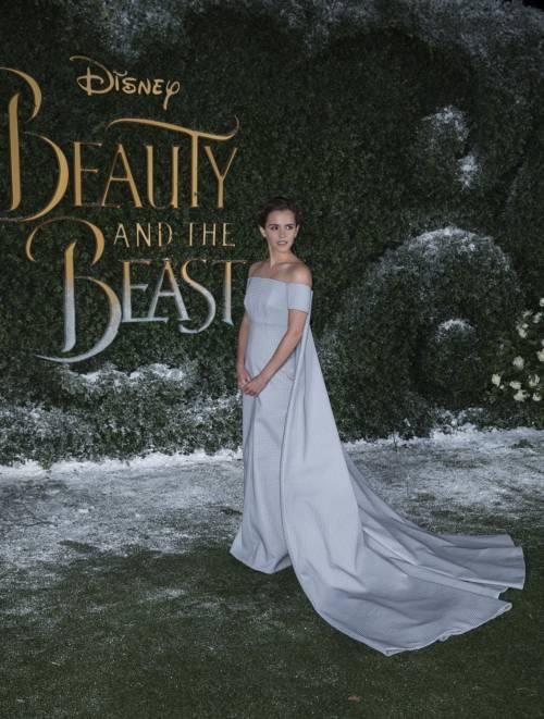 Emma Watson, sexy Bella sul red carpet 55