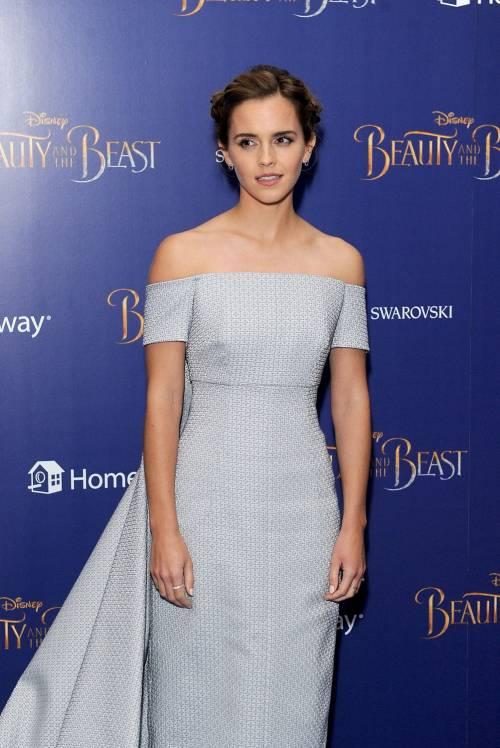 Emma Watson, sexy Bella sul red carpet 10