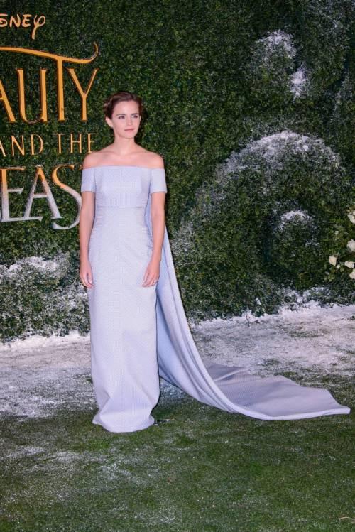Emma Watson, sexy Bella sul red carpet 18