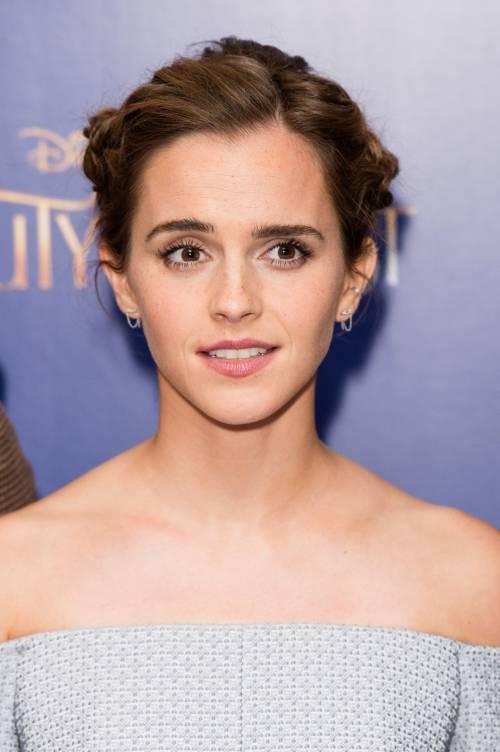 Emma Watson, sexy Bella sul red carpet 22