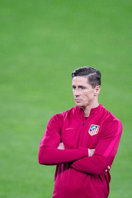 Atletico Madrid, spavento Torres: lo spagnolo a terra privo di sensi