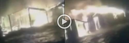 Le risate degli immigrati mentre il ghetto di Rignano va a fuoco