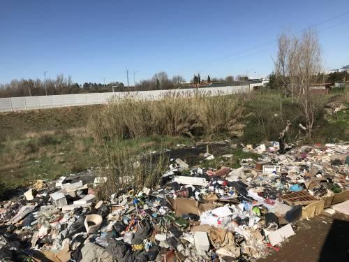Italiani senza casa: il comune gli propone di trasferirsi in un campo rom 9