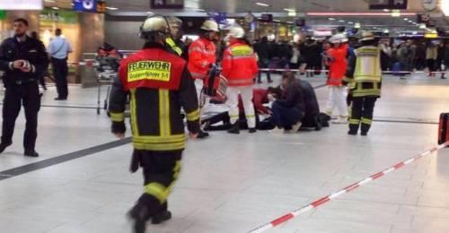Dusseldorf, attacco con l'ascia in stazione 3