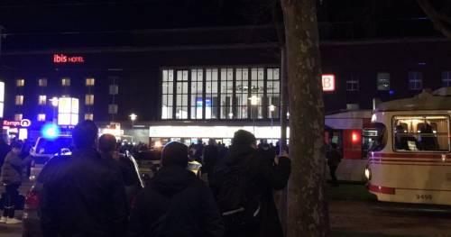 Dusseldorf, attacco con l'ascia in stazione 2