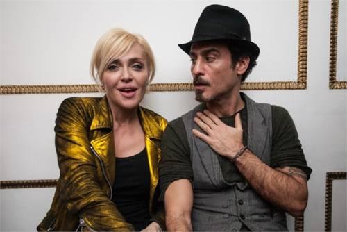 Paola Barale e Raz Degan, le foto della coppia 11