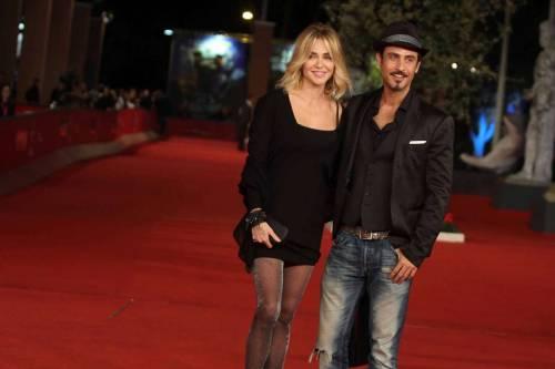 Paola Barale e Raz Degan, le foto della coppia 19