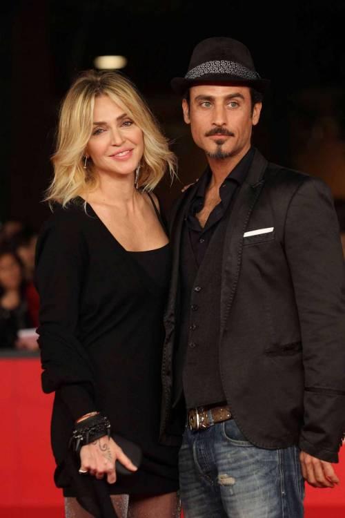 Paola Barale e Raz Degan, le foto della coppia 22