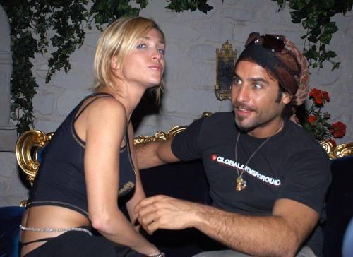 Paola Barale e Raz Degan, le foto della coppia 29