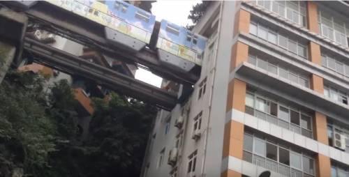 Cina, la fermata della metro è dentro casa 2
