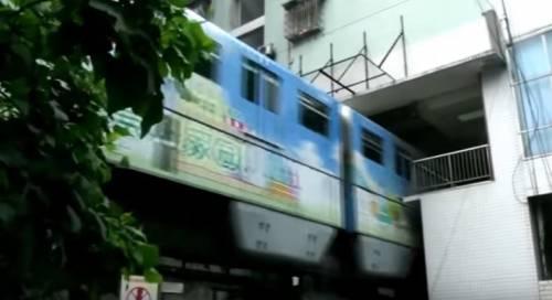 Cina, la fermata della metro è dentro casa 4