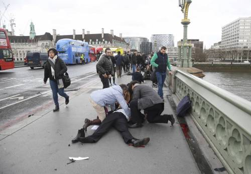 Feriti al Westminster Bridge 2