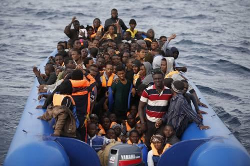 """Migranti, Frontex: """"Ancora alta la minaccia terrorismo"""""""