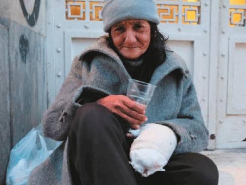 Greci alla fame: troppo poveri persino per ereditare