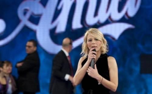 Amici 19, Maria De Filippi blocca l'uscita degli album dei cantanti
