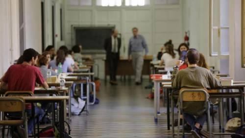"""""""Le donne andrebbero sterminate"""", denunciata prof in Calabria"""
