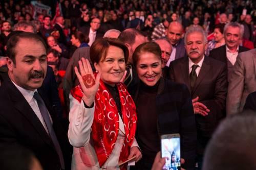 """Istanbul, comizio del """"no"""" in vista del referendum costituzionale 5"""