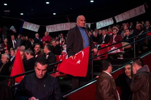 """Istanbul, comizio del """"no"""" in vista del referendum costituzionale 7"""