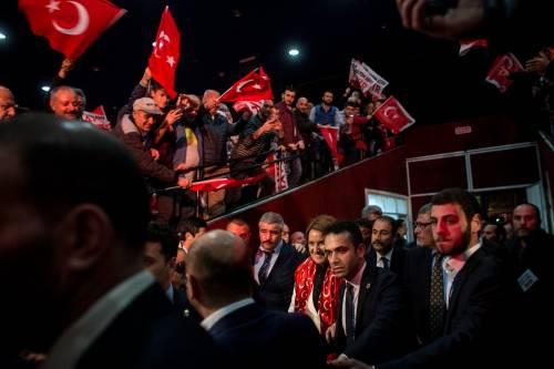 """Istanbul, comizio del """"no"""" in vista del referendum costituzionale 10"""
