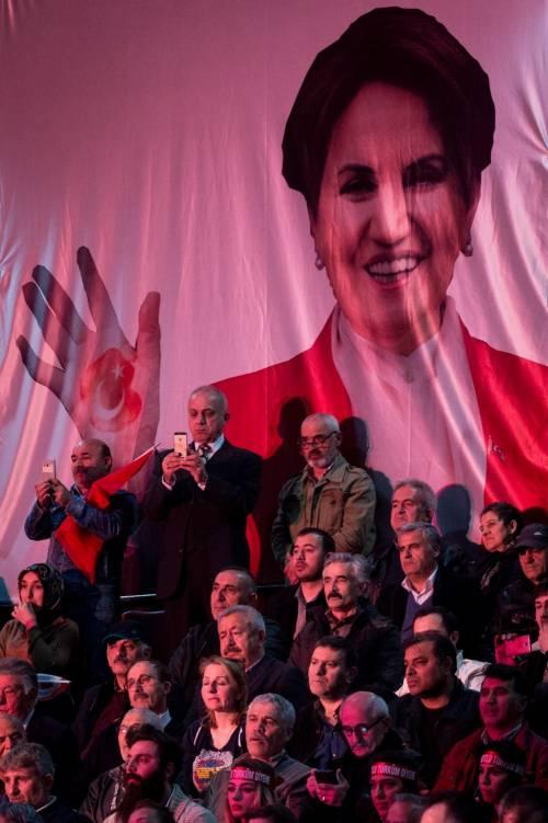 """Istanbul, comizio del """"no"""" in vista del referendum costituzionale 11"""