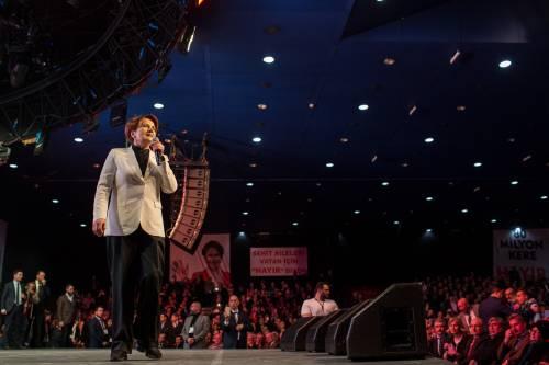 """Istanbul, comizio del """"no"""" in vista del referendum costituzionale 13"""