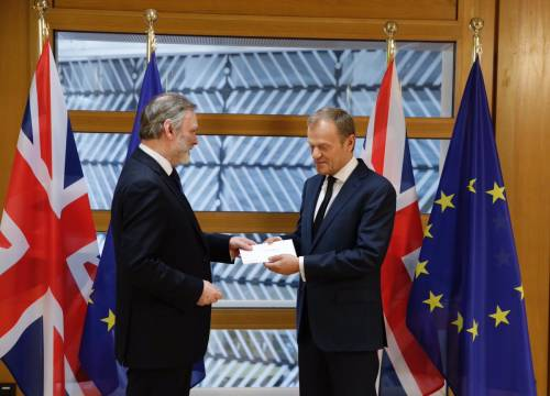 È iniziata la Brexit: Londra consegna la lettera all'Ue