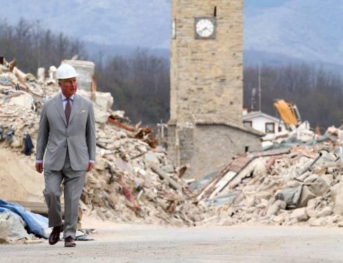 Amatrice, il principe Carlo in visita nel paese distrutto dal terremoto 8