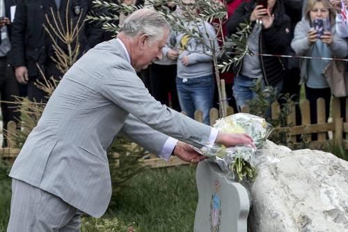 Amatrice, il principe Carlo in visita nel paese distrutto dal terremoto 13