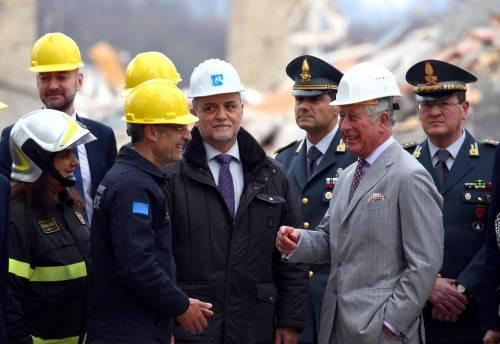 Amatrice, il principe Carlo in visita nel paese distrutto dal terremoto 19