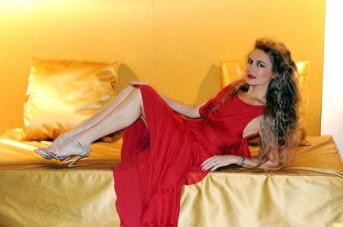 Lory Del Santo sexy e creativa 3