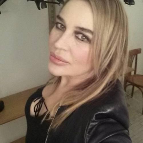 Lory Del Santo sexy e creativa 16