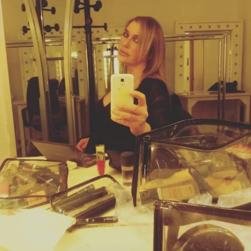 Lory Del Santo sexy e creativa 17