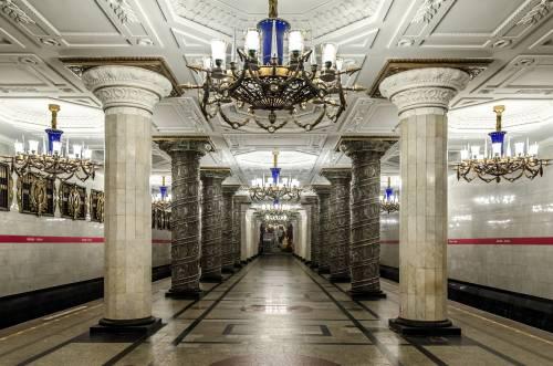 La metropolitana di San Pietroburgo, un gioiello sovietico con 5 linee